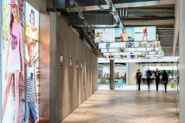 "<p class=""caption-name"">Primark Headquarters, Dublin</p> 12000<sup>m2</sup> carpet tiles, porcelain, timber & vinyl"