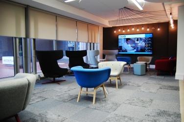 """<p class=""""caption-name"""">Linkedin, Dublin</p> 3200<sup>m2</sup> carpet tiles, vinyl & exposed concrete"""